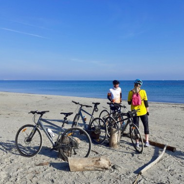 Local cycling tour along the beach