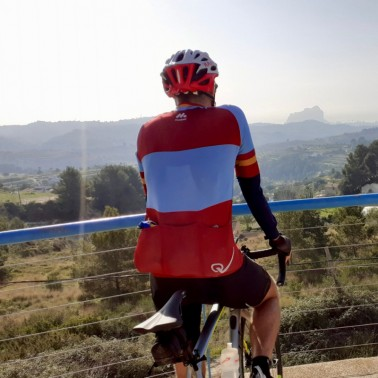 Enjoy the cycling etiquette to pause and absorb the views around Calpe